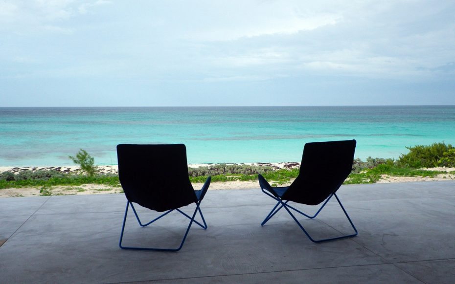 Julia Aulenbacher - Interiors +++ Longhouse Berry Islands Bahamas 9